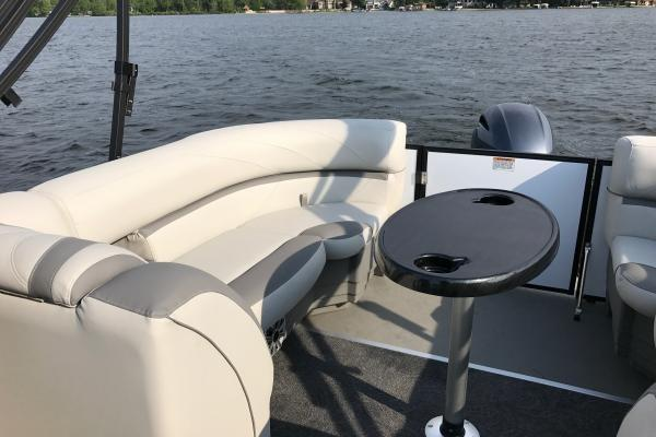 New 2018 Sunchaser Geneva Cruise 22 Lr Dh Sport Power Boats Outboard