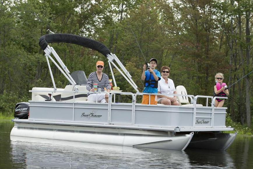 2019 SunChaser Oasis Fish 16 in Kaukauna, Wisconsin - Photo 2