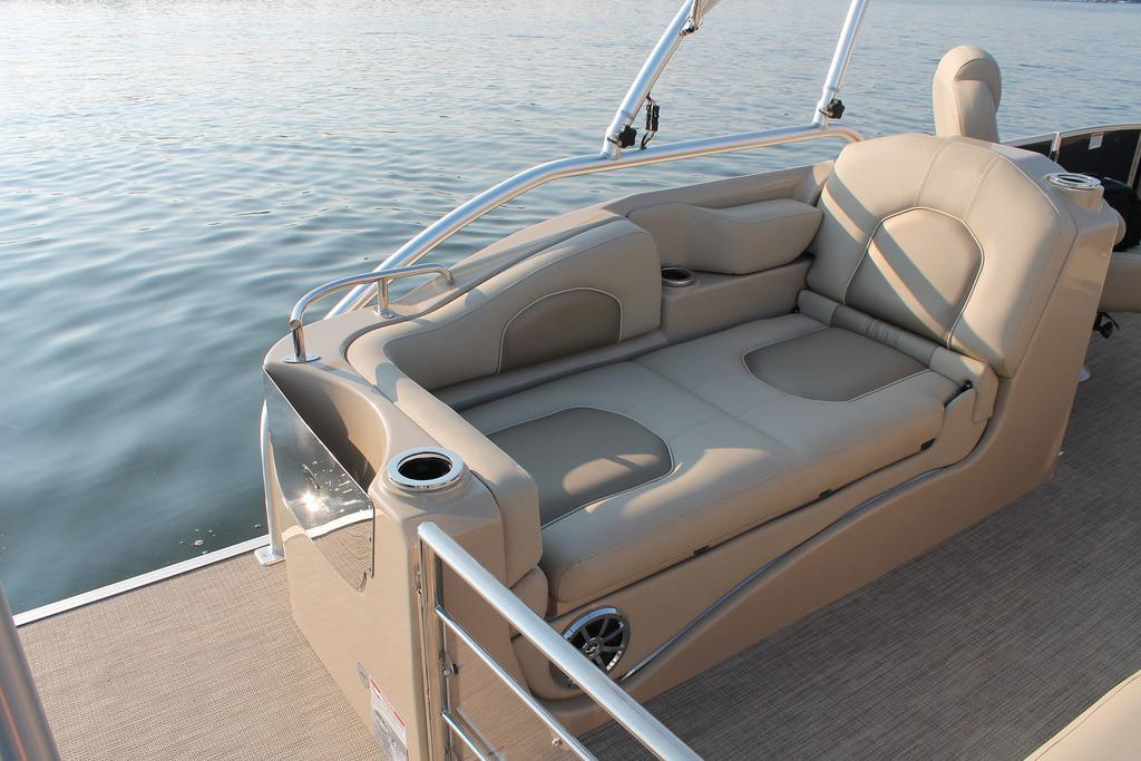2016 Sylvan Mandalay 8525 Sportlounger in Fort Worth, Texas