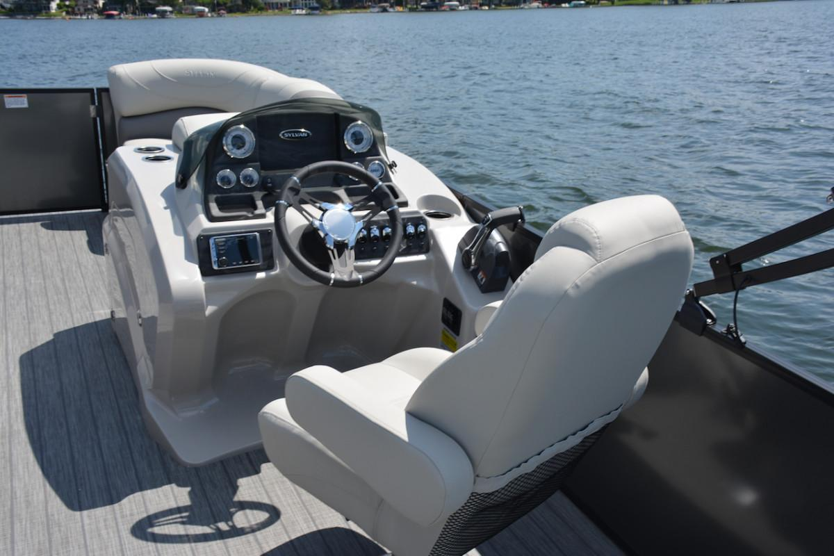 2019 Sylvan Mirage 8520 DLZ LE in Hutchinson, Minnesota