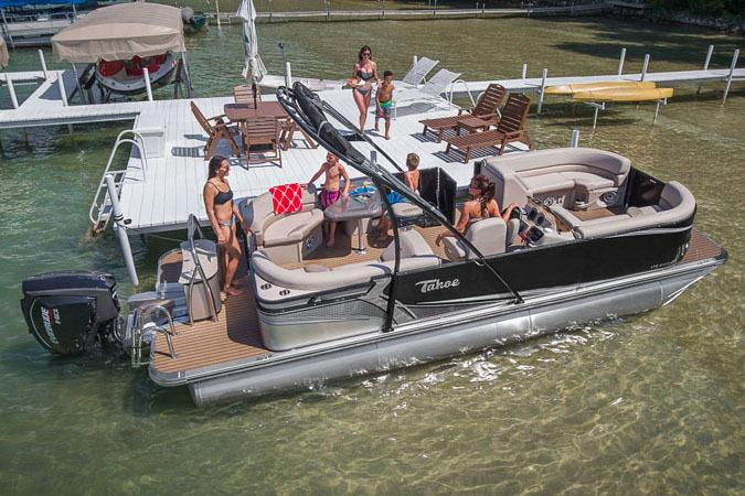 2017 Tahoe Pontoon LTZ Entertainer - 26' in Osage Beach, Missouri