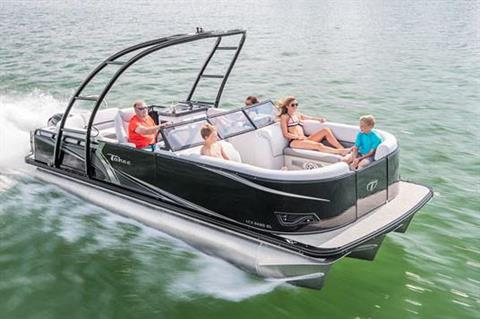 2018 Tahoe Pontoon LTZ Windshield - 22' in Osage Beach, Missouri