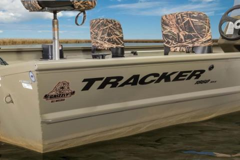 2016 Tracker Grizzly 1860 MVX SC in Appleton, Wisconsin