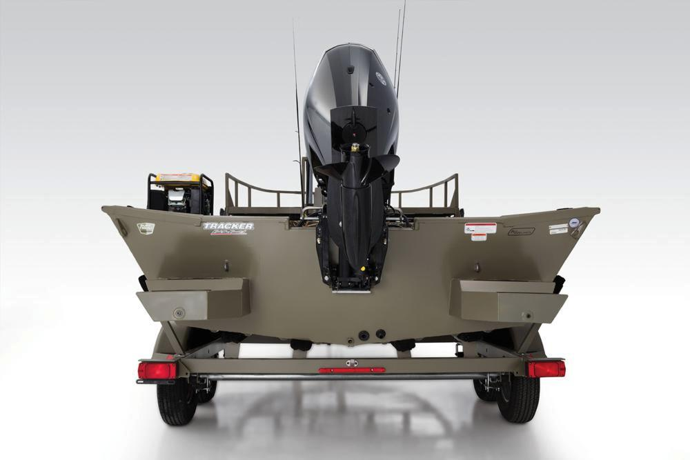 2017 Tracker Grizzly 2072 MVX CC Sportsman in Harriman, Tennessee