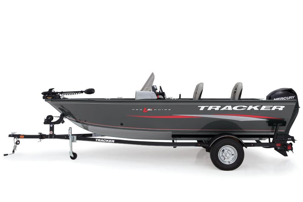 2018 Tracker Pro Guide V-16 SC in Gaylord, Michigan