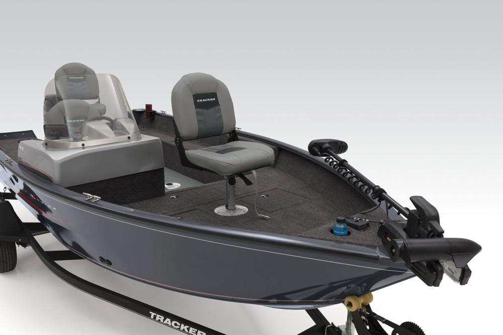 2019 Tracker Pro Guide V-16 SC in Gaylord, Michigan - Photo 10