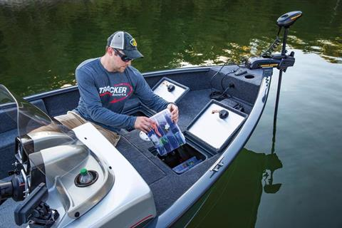 2019 Tracker Pro Guide V-16 SC in Appleton, Wisconsin - Photo 31
