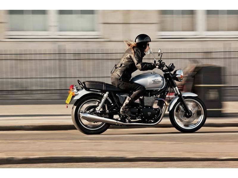 2014 Triumph Bonneville in Eden Prairie, Minnesota - Photo 2