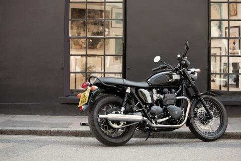 2016 Triumph Bonneville T100 Black in Greenville, South Carolina