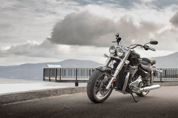 2016 Triumph Thunderbird Commander ABS in Dubuque, Iowa