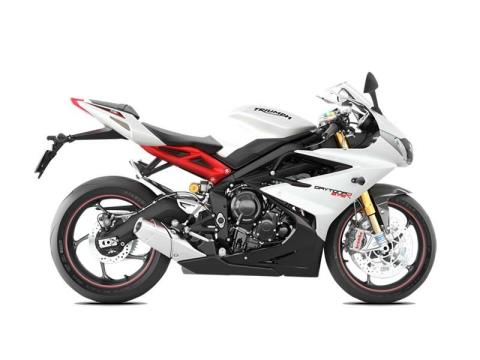 2016 Triumph Daytona 675 R ABS in Shelby Township, Michigan