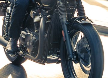 2017 Triumph Bonneville T100 Black in Belle Plaine, Minnesota