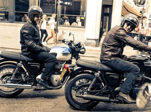 2017 Triumph Bonneville T100 Black in New Haven, Connecticut