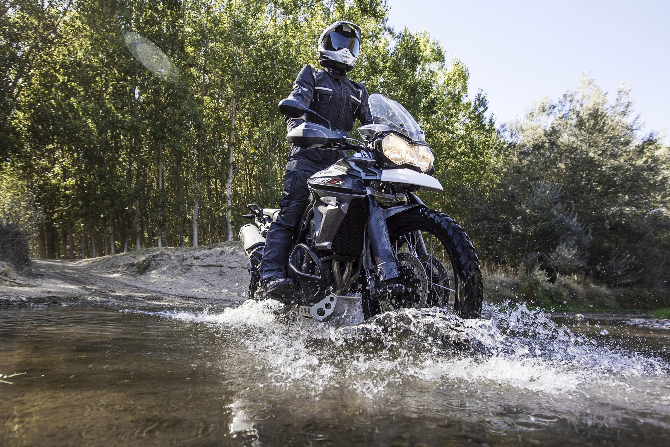 2017 Triumph Tiger 800 XCx in Saint Charles, Illinois