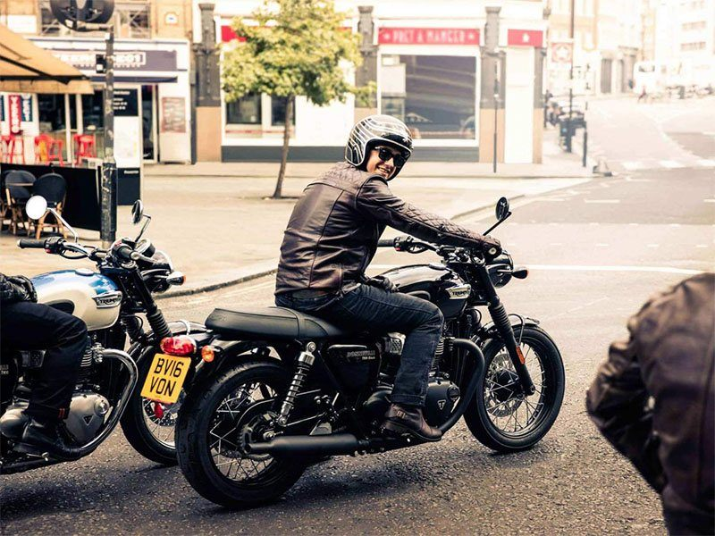 2018 Triumph Bonneville T100 in Greensboro, North Carolina