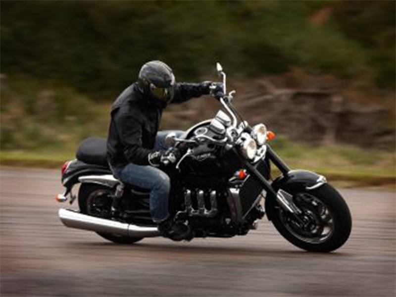 2018 Triumph Rocket III Roadster ABS in Iowa City, Iowa - Photo 2
