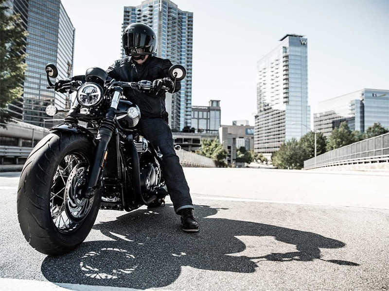 2019 Triumph Bonneville Bobber Black in Indianapolis, Indiana - Photo 2