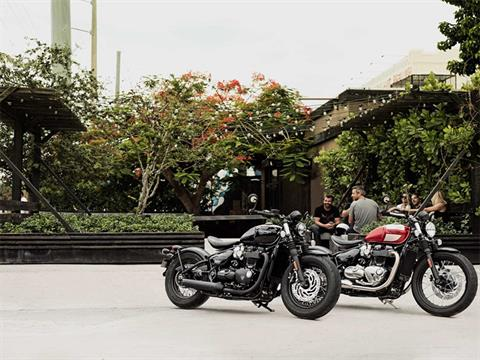 2019 Triumph Bonneville Bobber Black in Greensboro, North Carolina - Photo 9