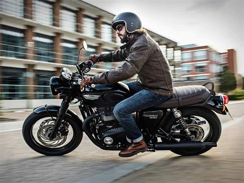 2019 Triumph Bonneville T120 Black in Saint Charles, Illinois - Photo 3