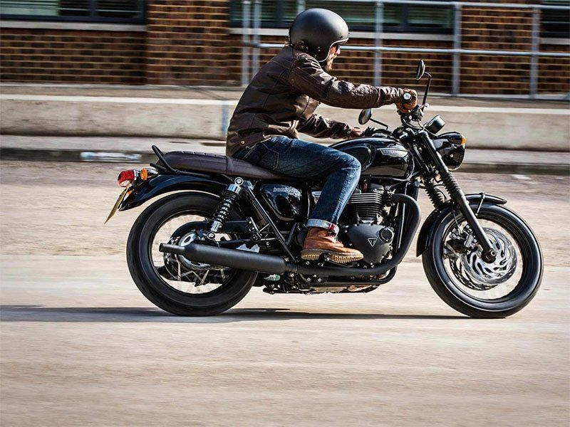 2019 Triumph Bonneville T120 Black in Port Clinton, Pennsylvania