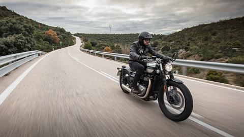2020 Triumph Bonneville Bobber in New Haven, Connecticut - Photo 13