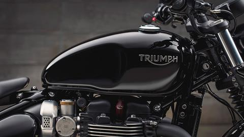 2020 Triumph Bonneville Bobber Black in Iowa City, Iowa - Photo 10