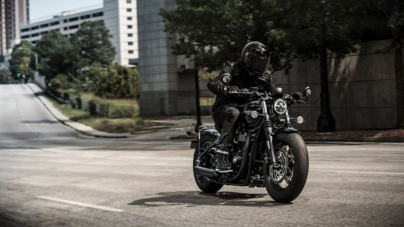 2020 Triumph Bonneville Bobber Black in Shelby Township, Michigan - Photo 8