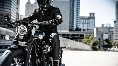 2020 Triumph Bonneville Bobber Black in Shelby Township, Michigan - Photo 9
