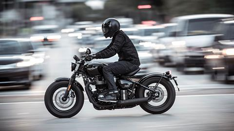 2020 Triumph Bonneville Bobber Black in Shelby Township, Michigan - Photo 10