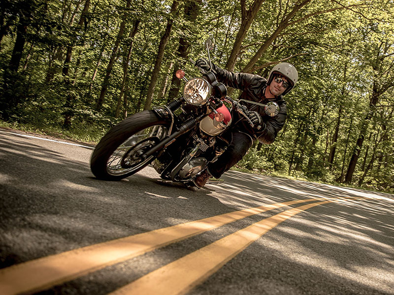 2020 Triumph Bonneville T100 Black in Philadelphia, Pennsylvania - Photo 3