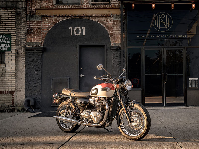 2020 Triumph Bonneville T100 Black in Philadelphia, Pennsylvania - Photo 5