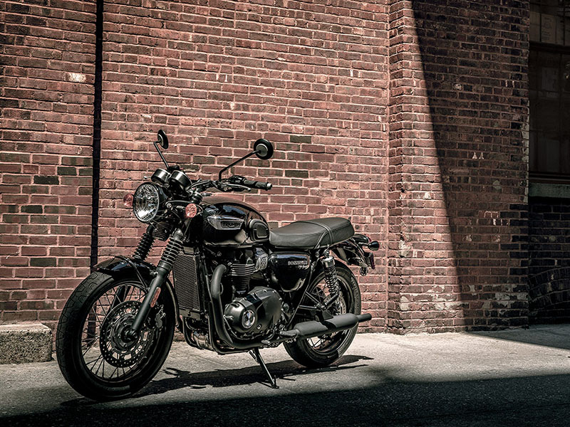 2020 Triumph Bonneville T100 Black in Elk Grove, California - Photo 2