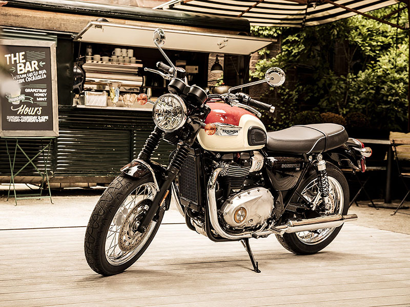 2020 Triumph Bonneville T100 Black in San Jose, California - Photo 4