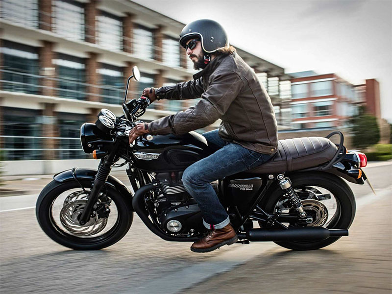 2020 Triumph Bonneville T120 Black in San Jose, California - Photo 2