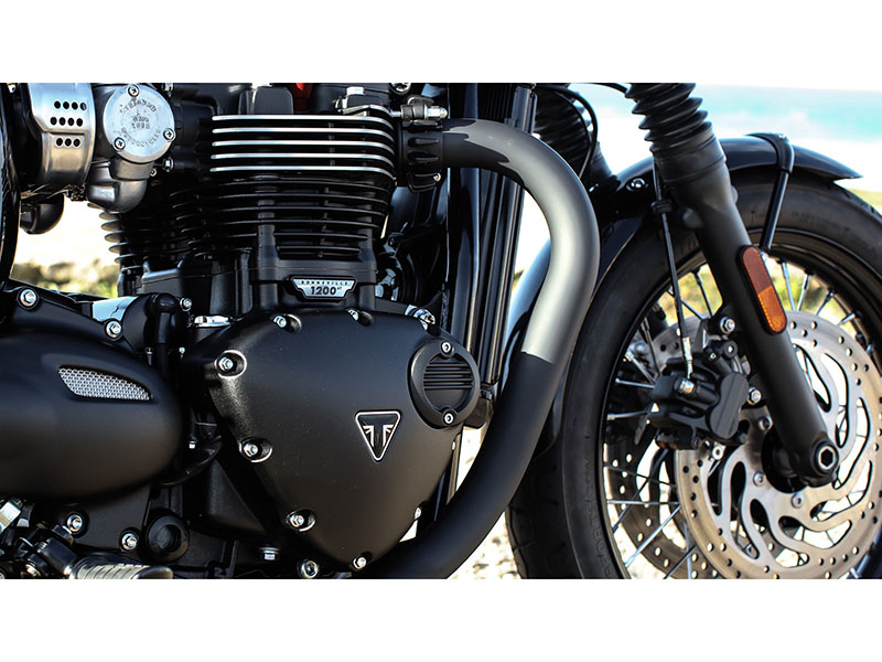2020 Triumph Bonneville T120 Black in Greenville, South Carolina - Photo 5