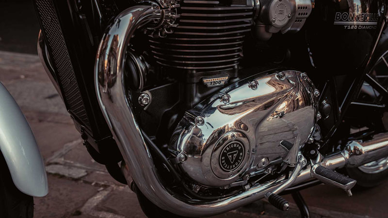 2020 Triumph Bonneville T120 Diamond Edition in Iowa City, Iowa - Photo 5