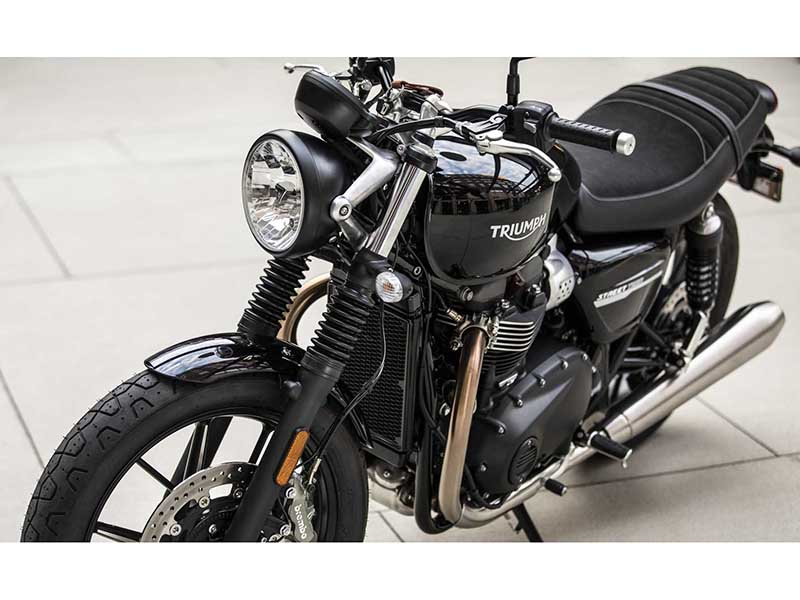 2020 Triumph Street Twin in Iowa City, Iowa - Photo 11