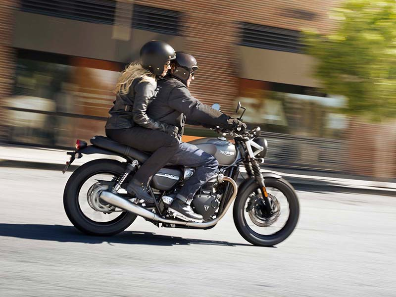 2020 Triumph Street Twin in Goshen, New York - Photo 11