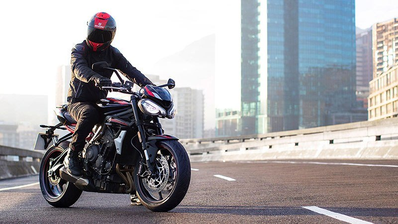2020 Triumph Street Triple R in Colorado Springs, Colorado - Photo 10