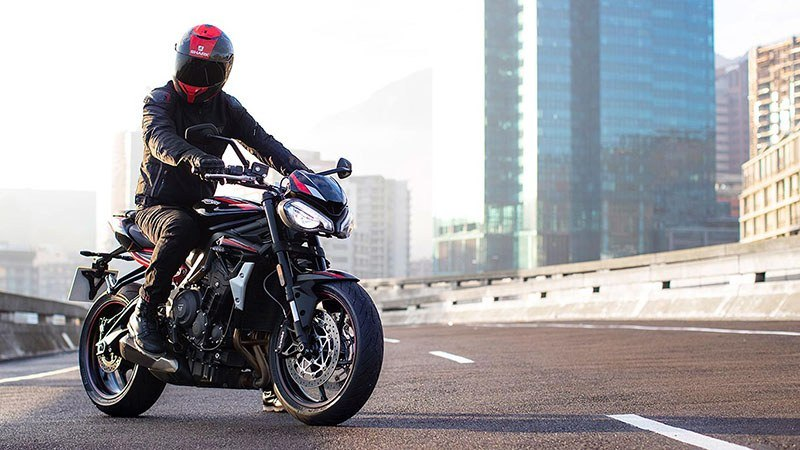 2021 Triumph Street Triple R in Dubuque, Iowa - Photo 11