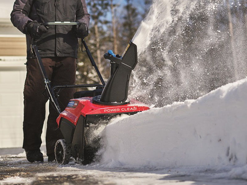 Toro 21 in. Power Clear® 721 E in New Durham, New Hampshire - Photo 5