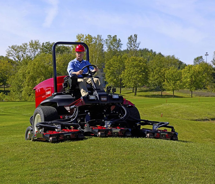 2017 Toro Groundsmaster 4500-D (30881) in Dearborn Heights, Michigan