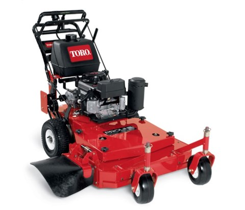 2017 Toro 32 in. (81 cm) Fixed Deck Gear Drive T-Bar (30672) in Dearborn Heights, Michigan
