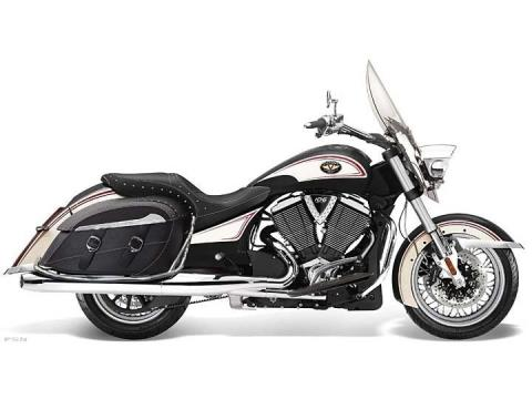 2012 Victory Cross Roads® Classic Limited Edition in Caledonia, Michigan