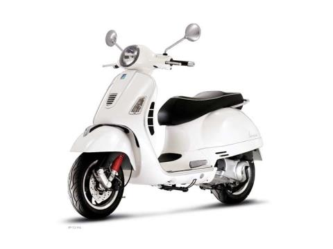 2010 Vespa GTS 300 Super in Shelbyville, Indiana