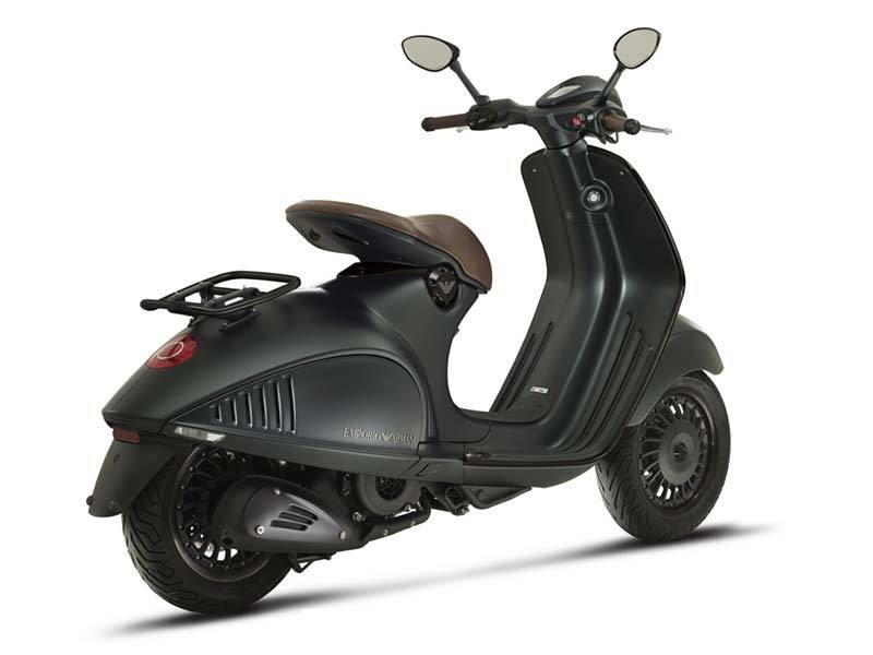 2015 Vespa 946 EA in Oakland, California