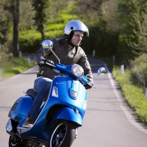2016 Vespa GTS 300 i.e. Super ABS in Shelbyville, Indiana