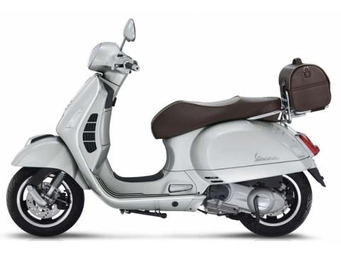 2016 Vespa GTS 300 Settantesimo in Downers Grove, Illinois