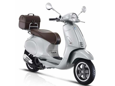 2016 Vespa Primavera 50 Settantesimo in Middleton, Wisconsin