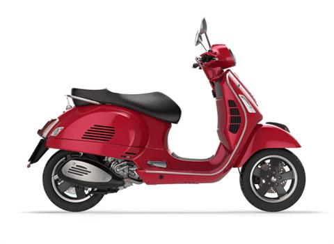 2017 Vespa GTS Super 300 in Middleton, Wisconsin